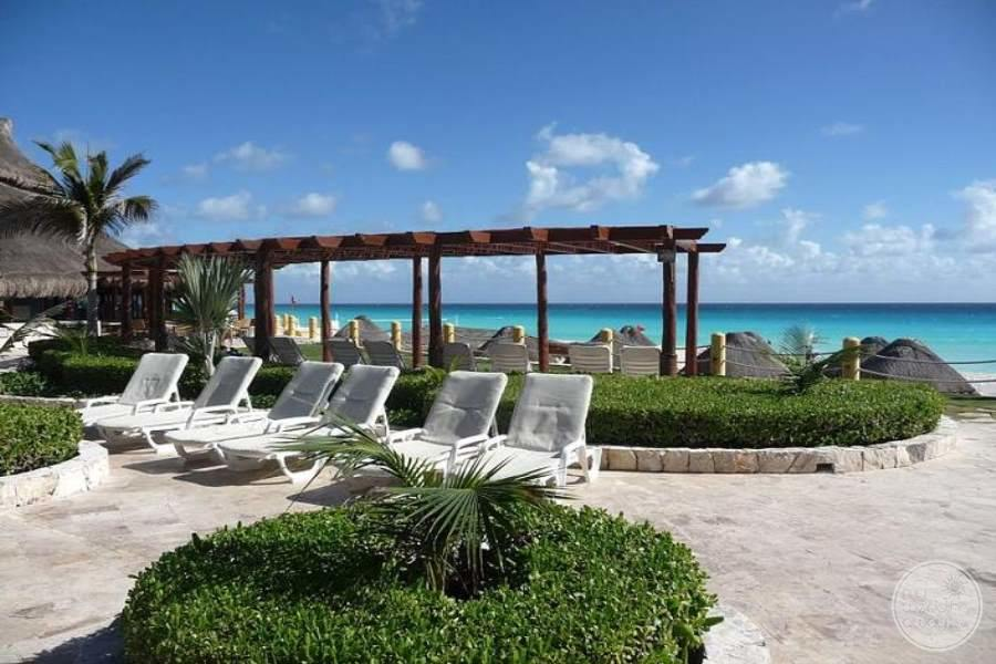 Fiesta Americana Condesa Cancun Lounge Chairs