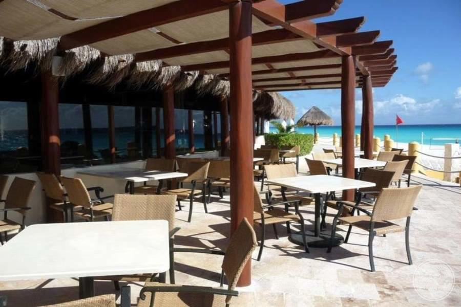 Fiesta Americana Condesa Cancun Outdoor Seating Area