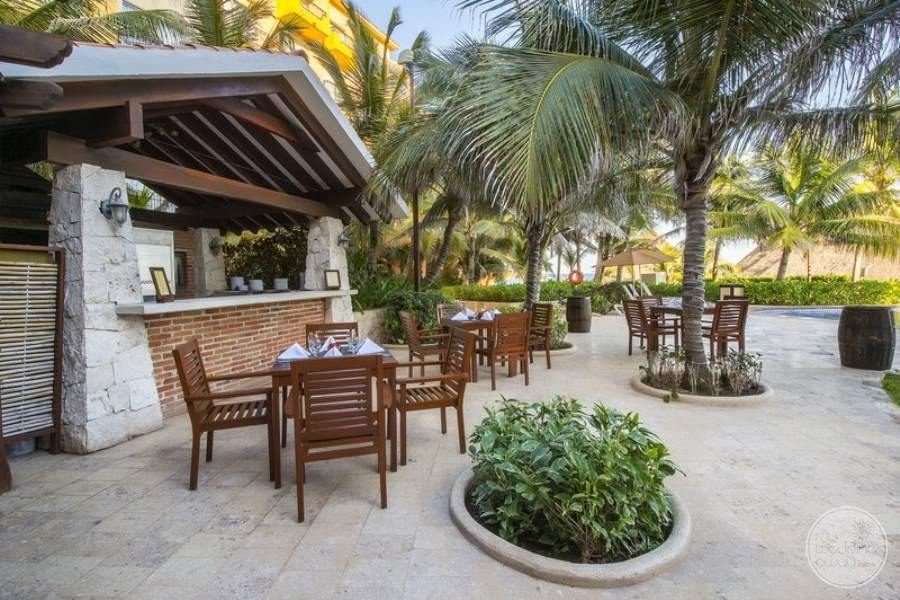 Fiesta Americana Condesa Cancun Outdoor Seating