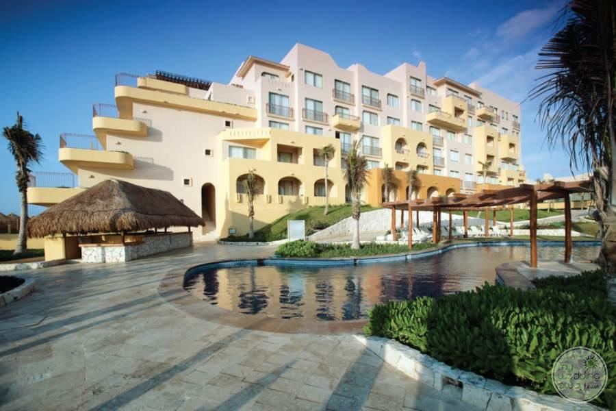 Fiesta Americana Condesa Cancun Rooms and Pool