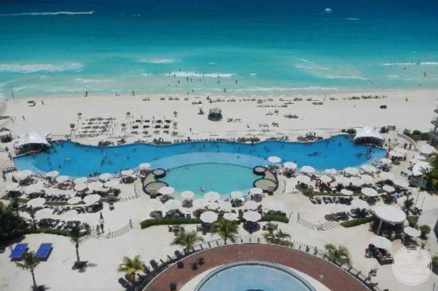 Hard Rock Hotel Cancun Beach and Pool
