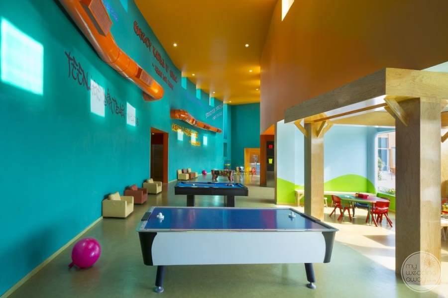 Hard Rock Hotel Cancun Games Area
