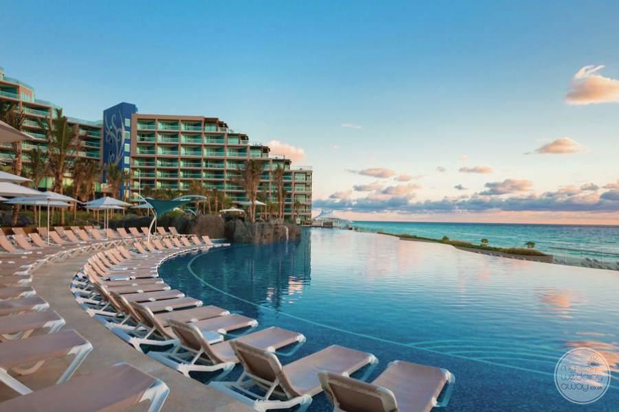 Hard Rock Hotel Cancun Infinity Pool