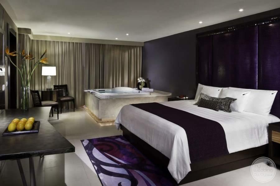 Hard Rock Hotel Cancun Jacuzzi King Room