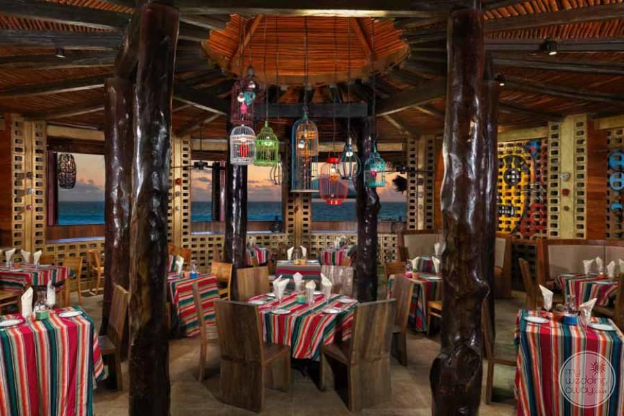 Hard Rock Hotel Cancun Restaurant Seating