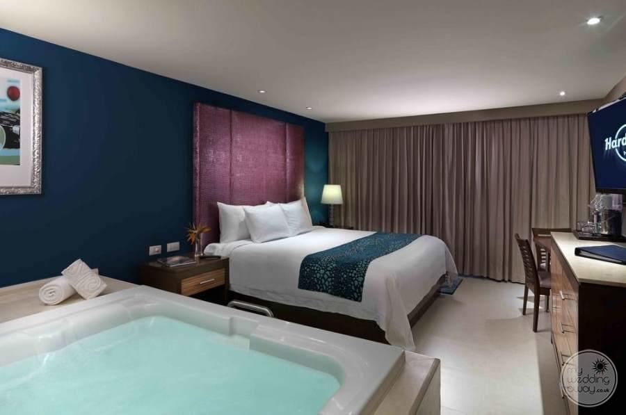 Hard Rock Hotel Cancun Room Jacuzzi
