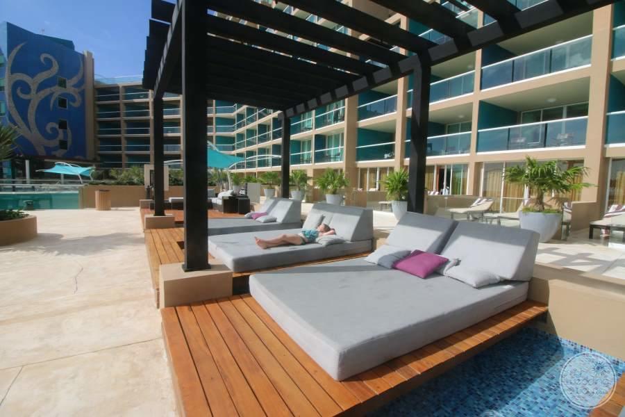 Hard Rock Hotel Cancun Sun Beds