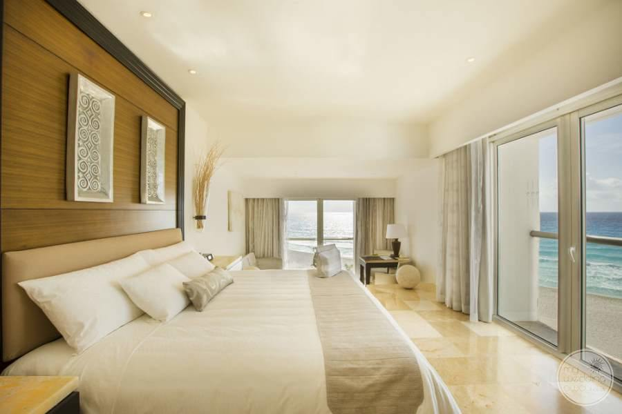 Le Blanc Cancun Corner Room