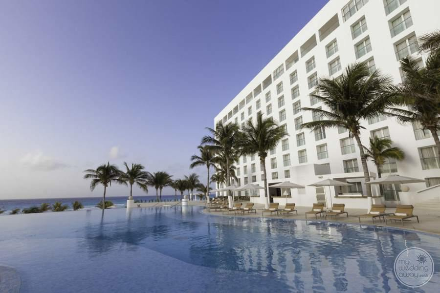 Le Blanc Cancun Infinity Pool and Rooms