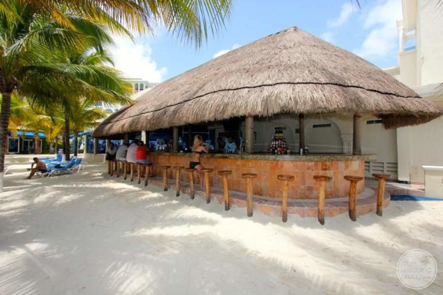 Occidental Costa Cancun Beach Bar