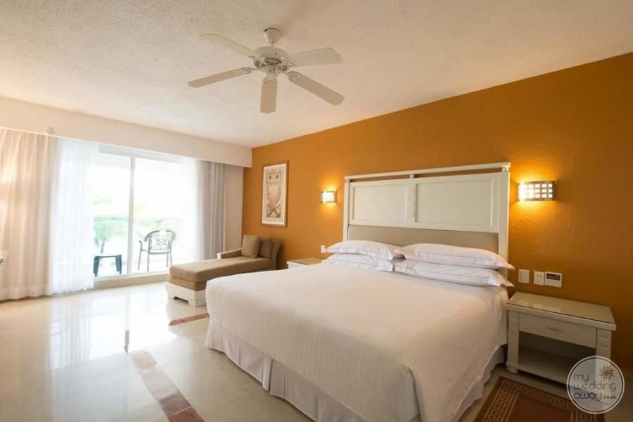 Occidental Costa Cancun King Room