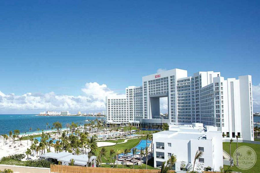 Riu Palace Peninsula Cancun Resort Overview