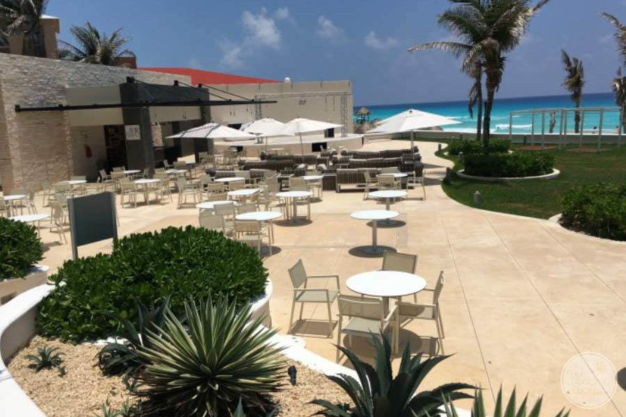 Sandos Cancun Outdoor Seating