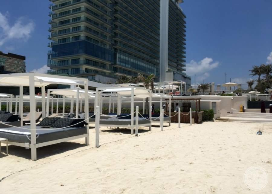 Sandos Cancun Sun Beds and Rooms