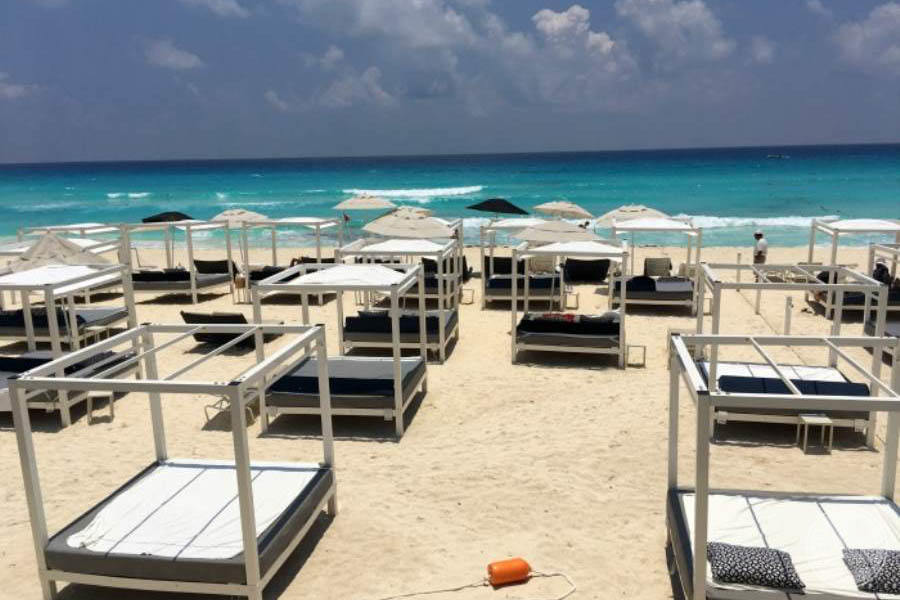 Sandos Cancun Sun Beds