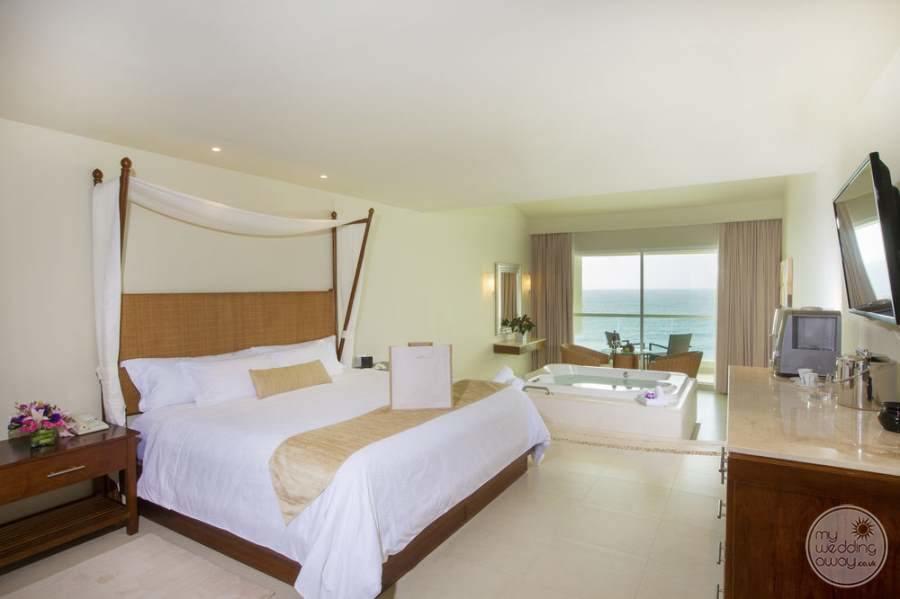 Sun Palace Cancun King Room