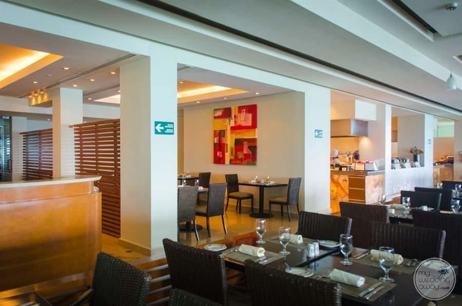 Sun Palace Cancun Restaurant Seating