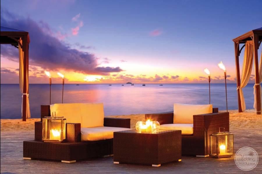 The House Barbados Beach Lounge
