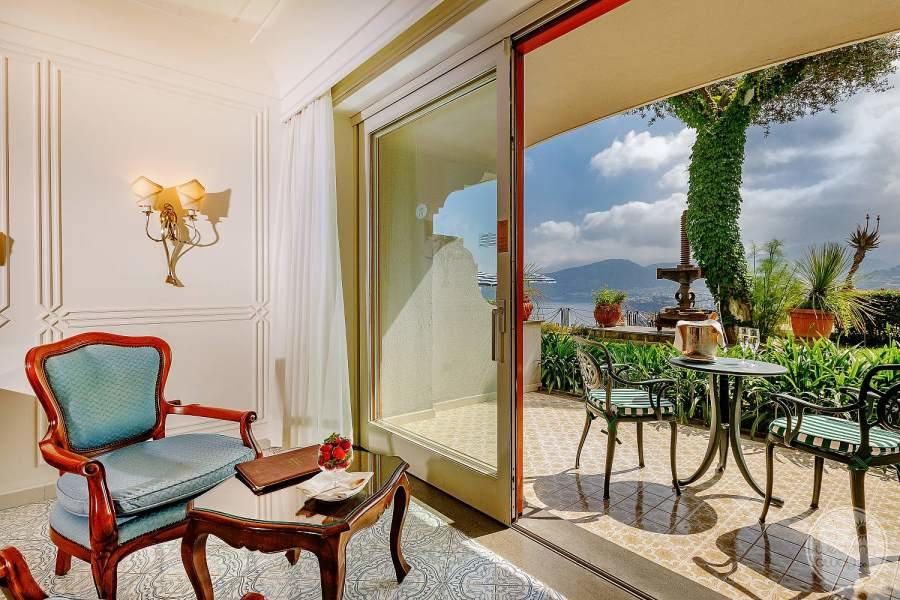 Grand Hotel Capodimonte Room Balcony