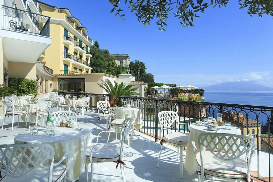 Grand Hotel Capodimonte Terrace Dining