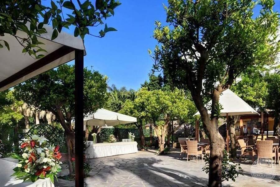 Hotel Mediterraneo Grounds