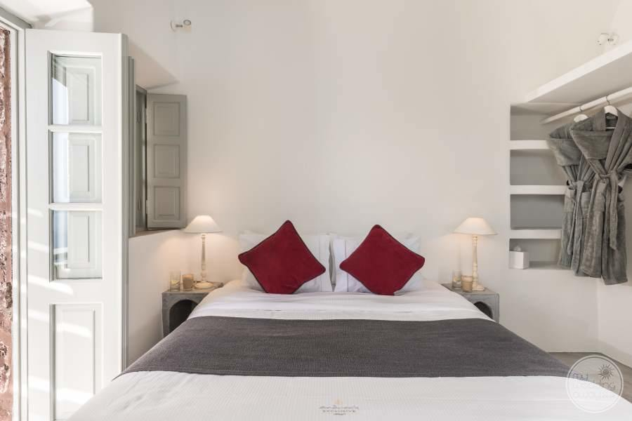 Luxury Suites Room with luxury fine linen