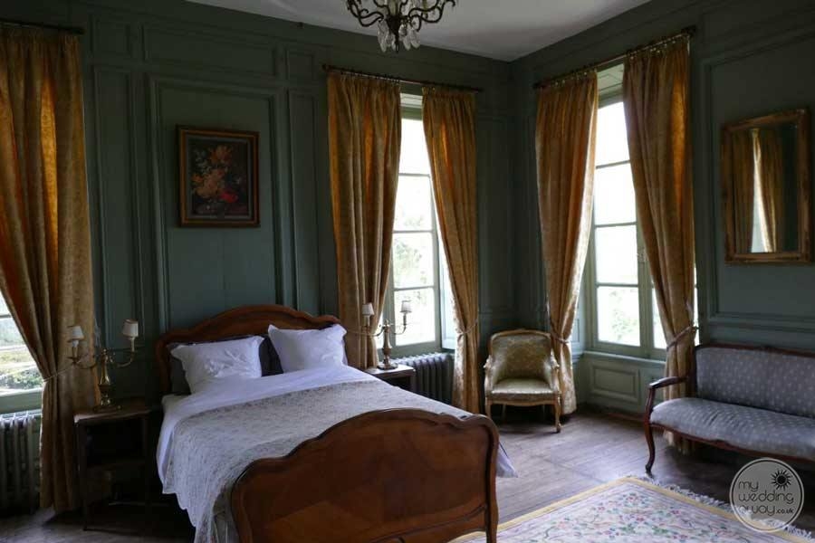 Chateau de Mairy Spacious Room