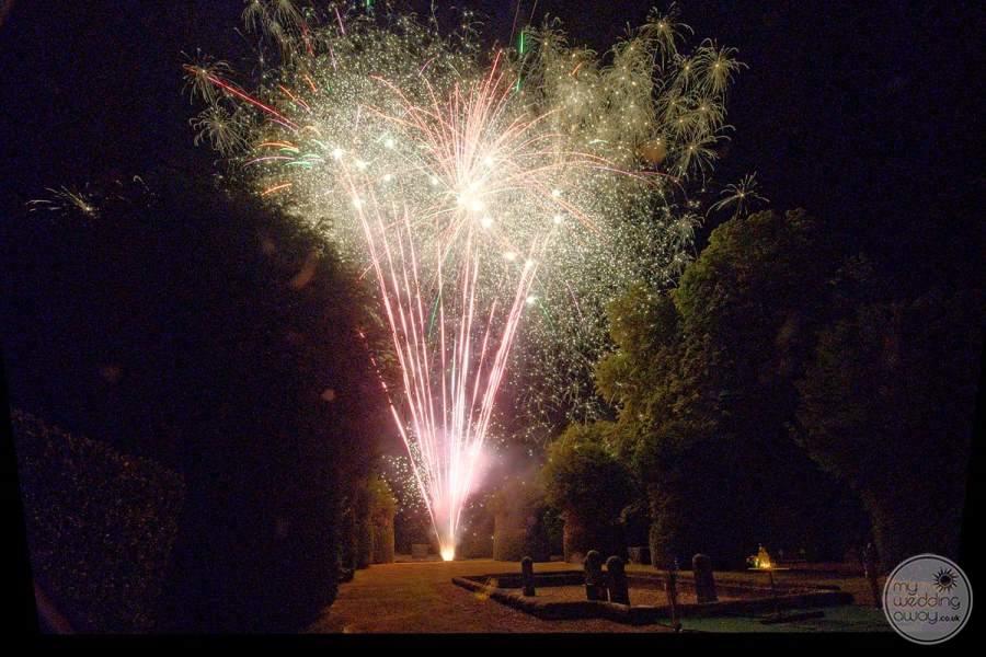 Cateau de la Couronne Fireworks
