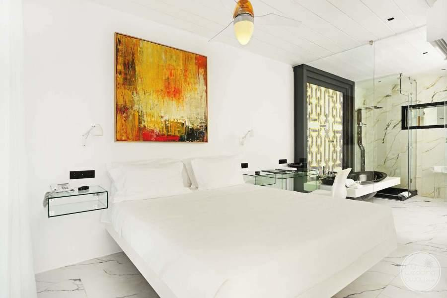 Kivotos Luxury Room