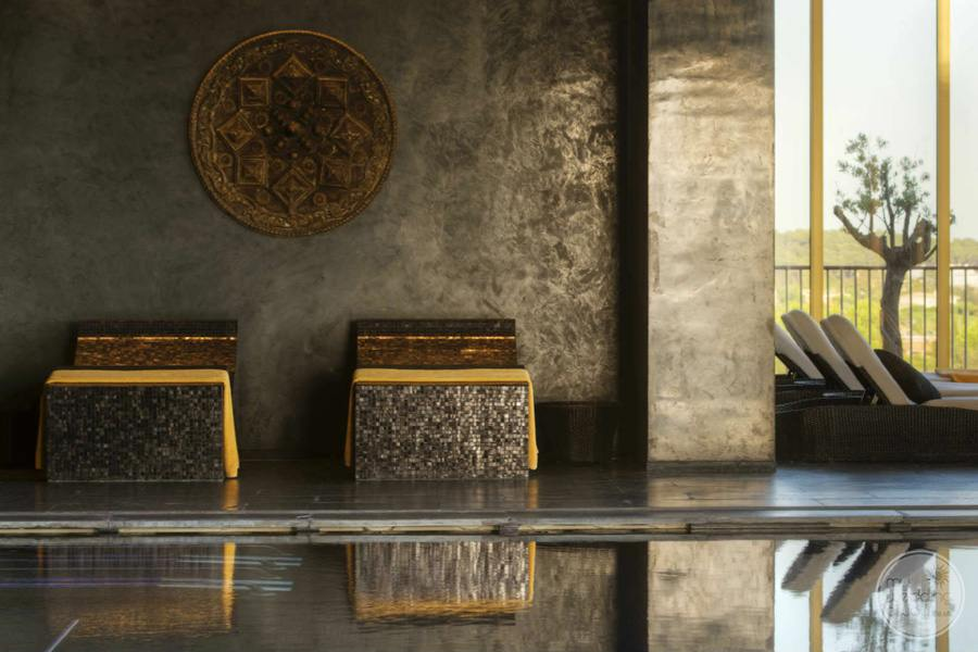 Anantara Vilamoura artwork spa area