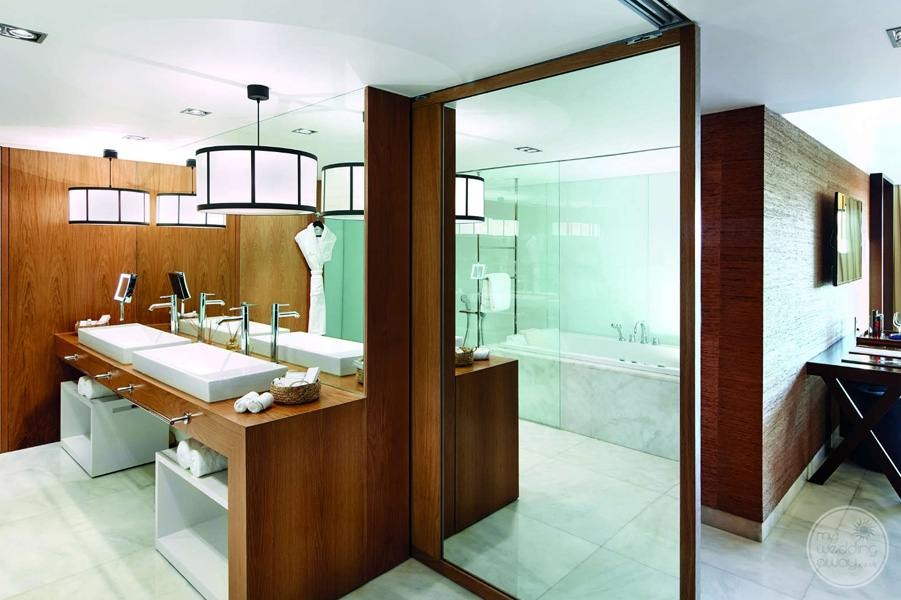 Anantara Vilamoura bathroom