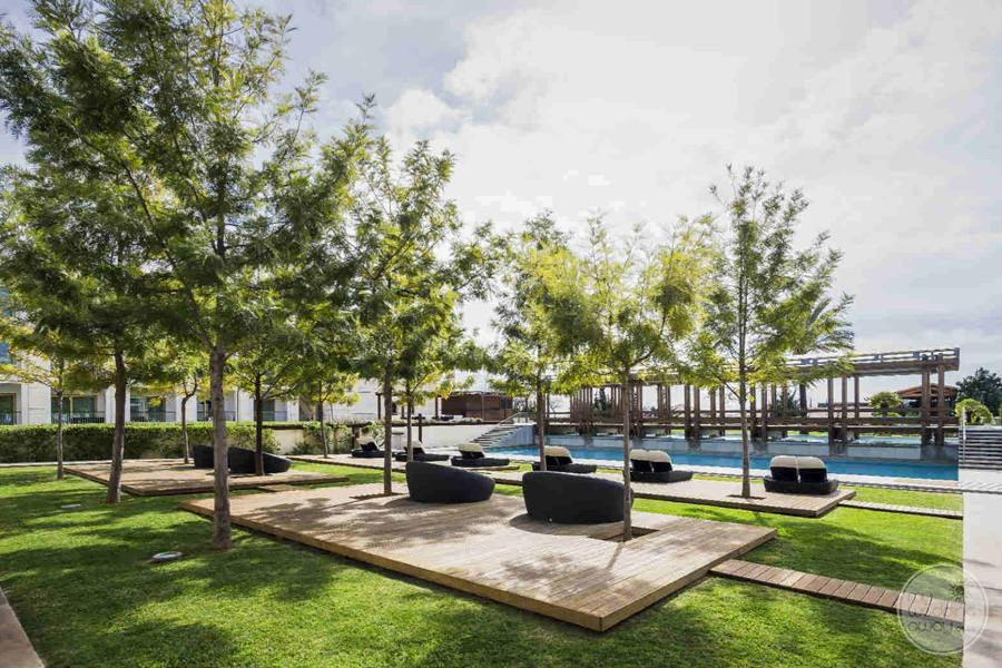 Anantara Vilamoura pool lounge chairs