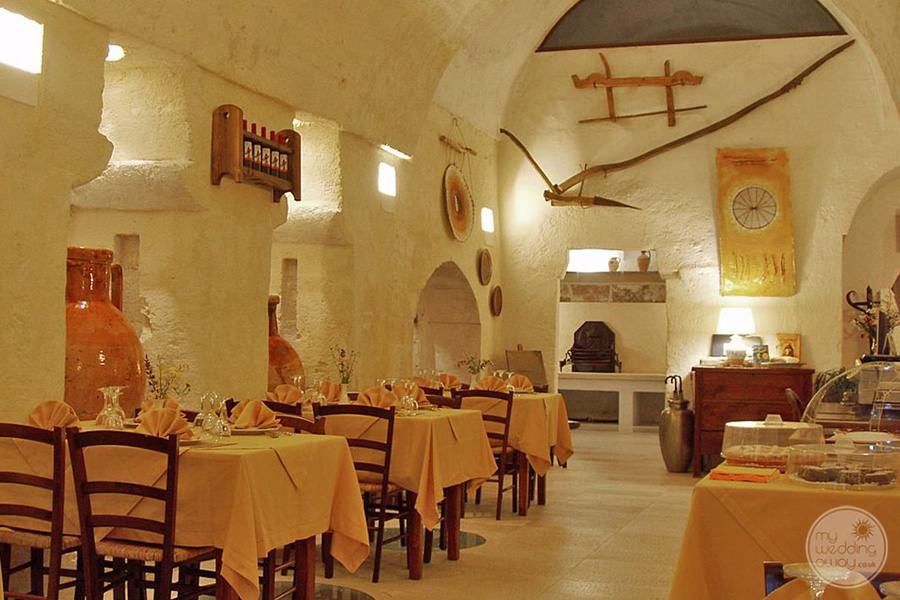 Masseria L'Antico Frantoio Hotel dining evening table and decor set up