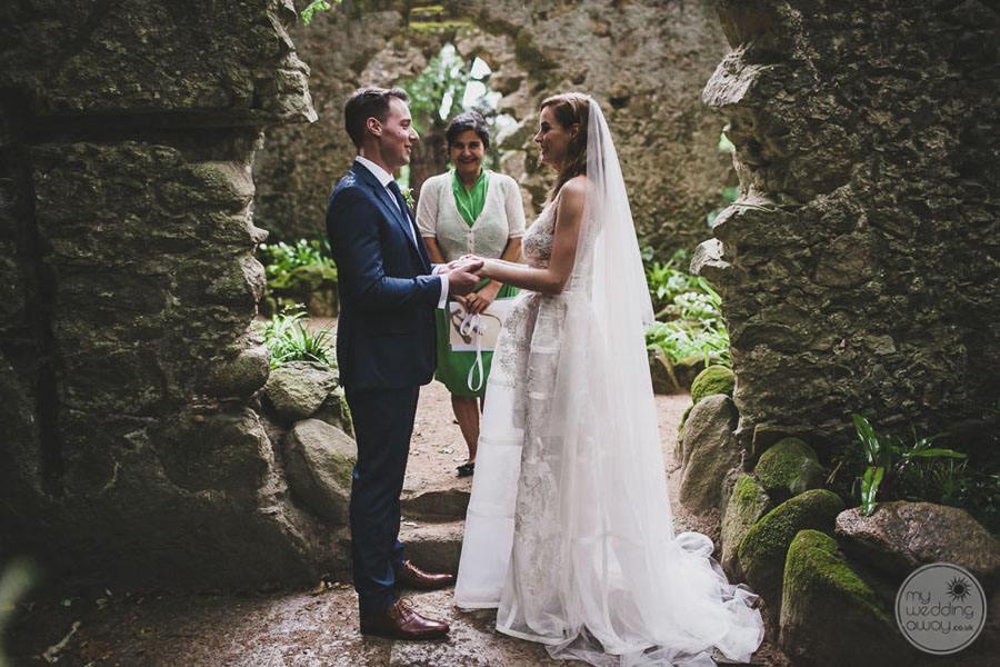 Monserrate Palace wedding ceremony in rock garden