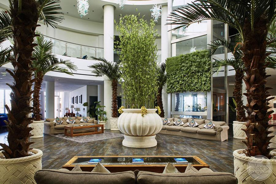 Monte da Quinta lobby area with lush greenery