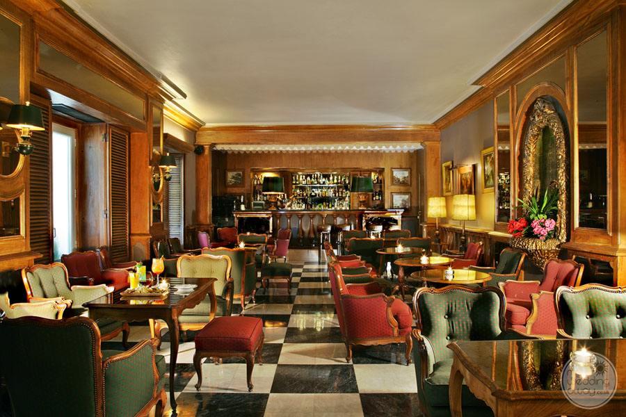 Palacio Estoril Hotel bar and lounge area