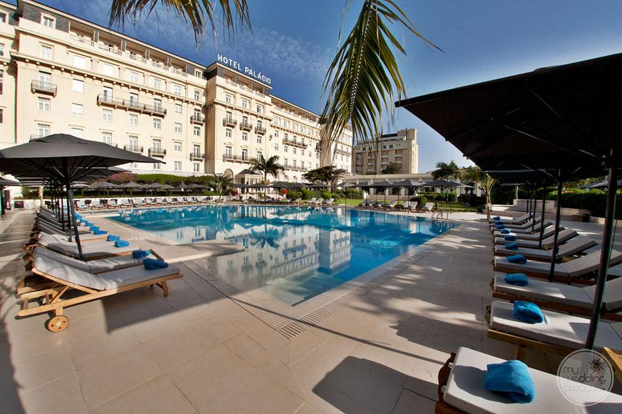 Palacio Estoril Hotel pool and lounge chairs