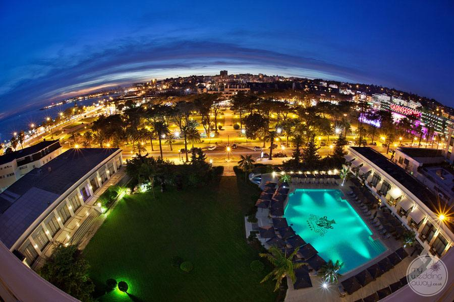 Palacio Estoril Hotel property at night