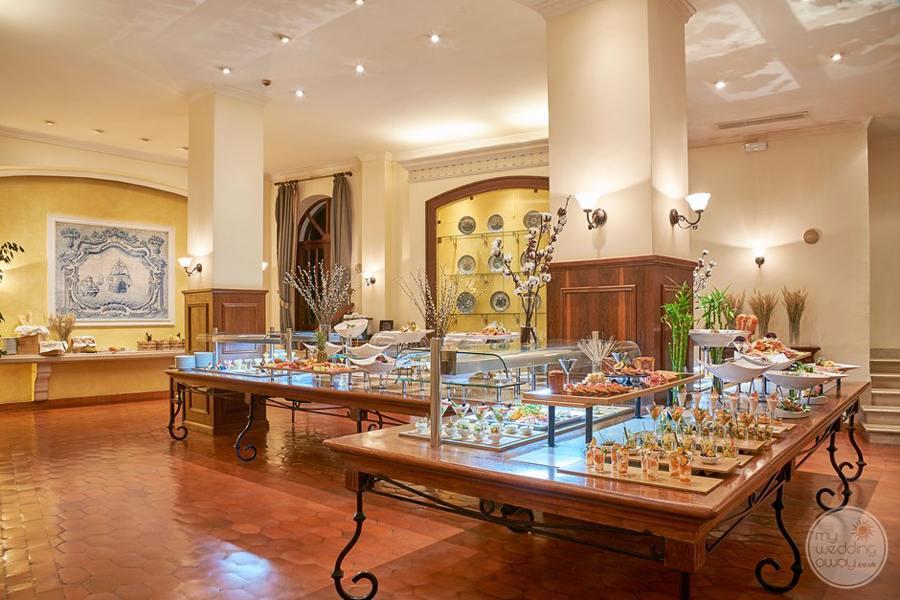 Penina Hotel and Golf Resort gift and jewelry store