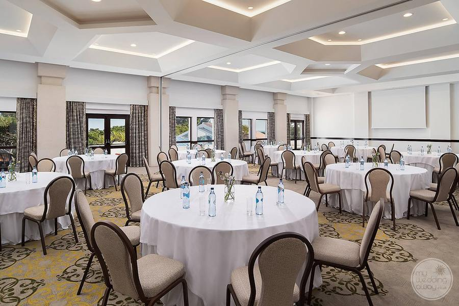 Pine Cliffs Resort ballroom for wedding receptions