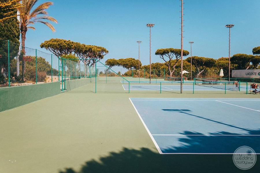Pine Cliffs Resort tennis court recreation area