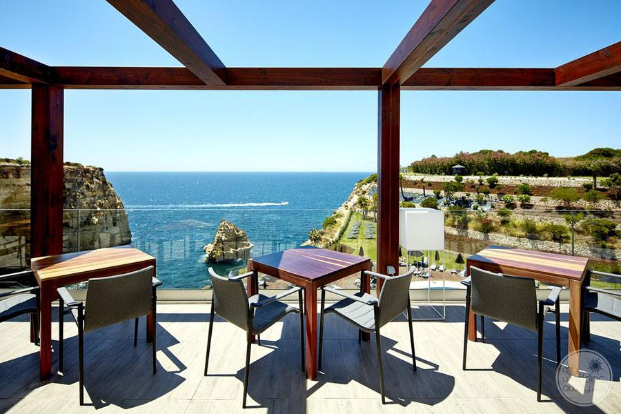 Tivoli Carvoiero Algarve Resort restaurant overlooking ocean