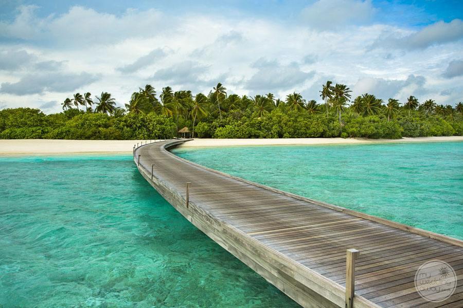 Overwater Walkway to bunaglows