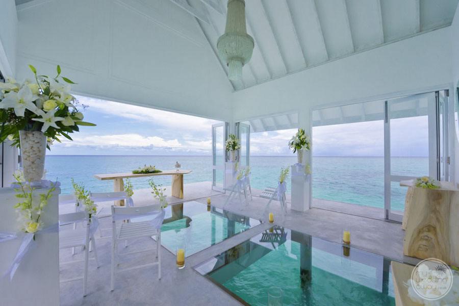 Four Season Maldives at Landaa Giraavaru Chapel