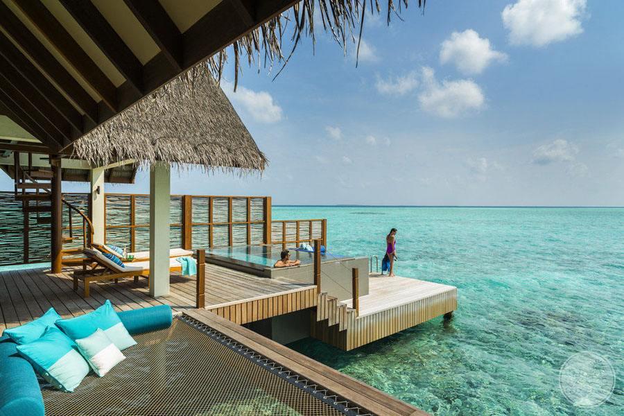 Four Seasons Maldives at Landaa Giraavaru Outdoor Deck