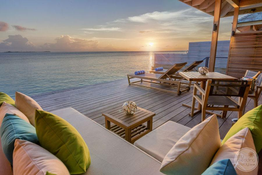 Hurawalhi Island Resort Lounge Deck