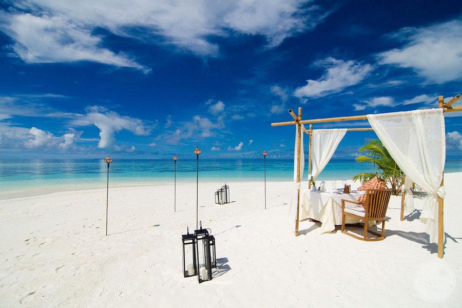 Romantic Beach Dinner for two on the white sand