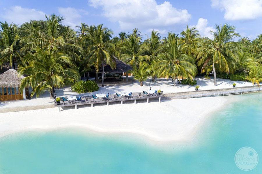 Sheraton Maldives Full Moon Resort and Spa Beachfront