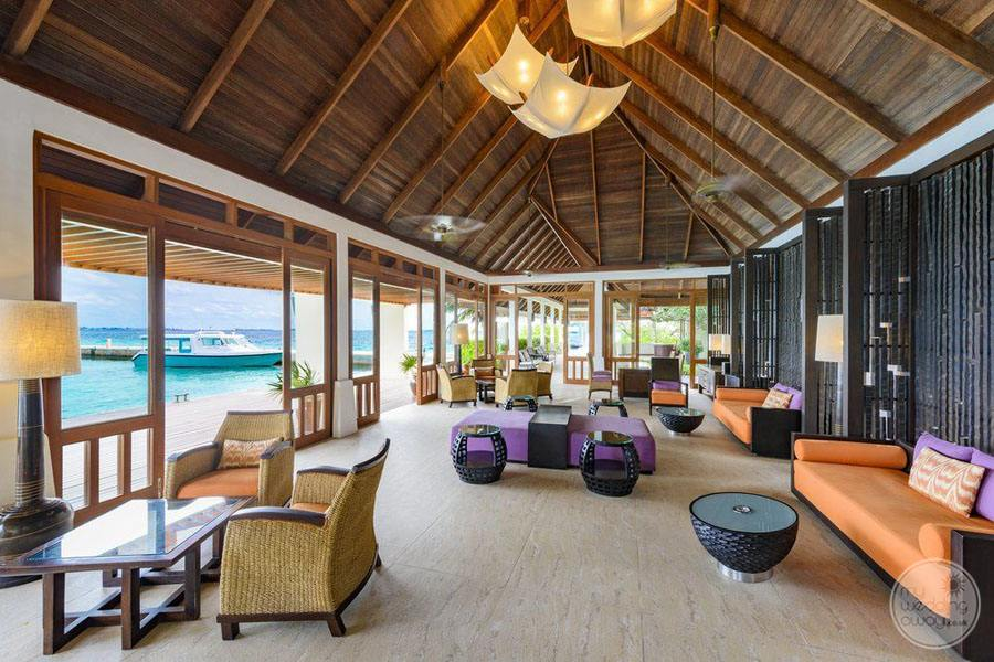 Sheraton Maldives Full Moon Resort and Spa Reception Area