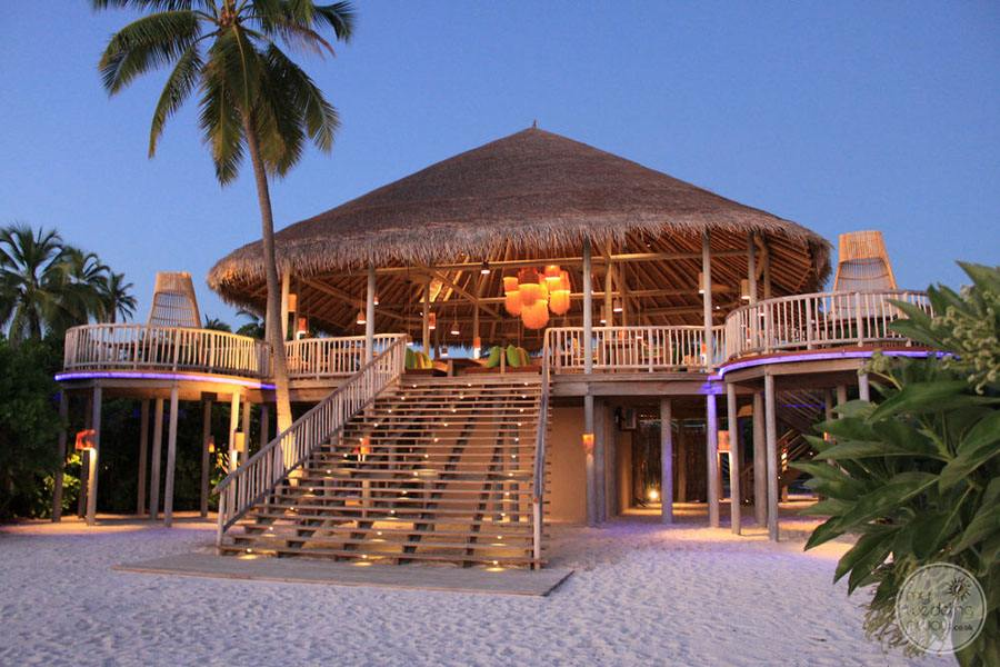 Six Senses Laamu Beach Bar